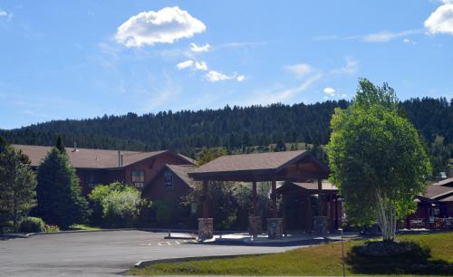 Bucks T4 Lodge - Accommodation - Big Sky