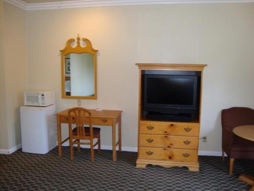 Americas Best Value Inn & Suites Half Moon Bay
