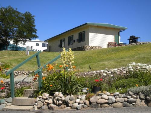 Pleasant View Motel - Photo 3 of 39