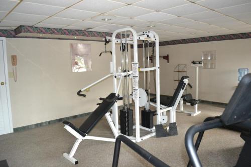Red Carpet Inn & Suites South Plainfield/Piscataway - South Plainfield, NJ 07080