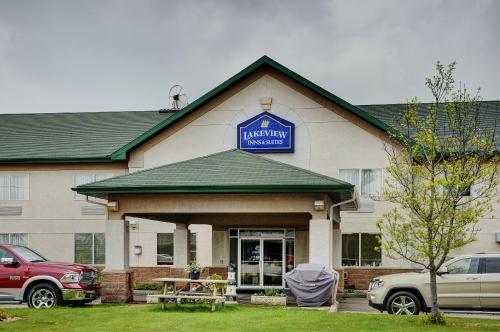 Lakeview Inns & Suites - Whitecourt - Whitecourt, AB T7S 1P2