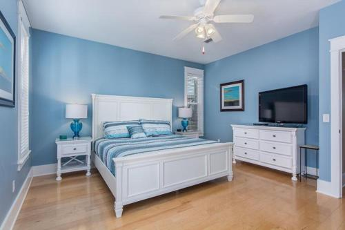 Fish House In Seacrest Beach - Cocoa Beach, FL 32413