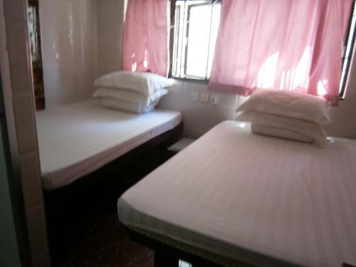 Hotel AMR Hostel