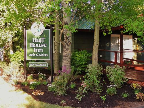 Huff House Inn and Cabins - Accommodation - Jackson