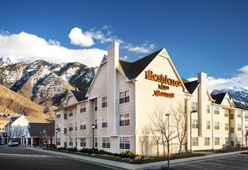 Accommodation in Cottonwood Heights