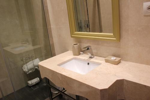 Фото отеля Hotel Rezidenca Desaret