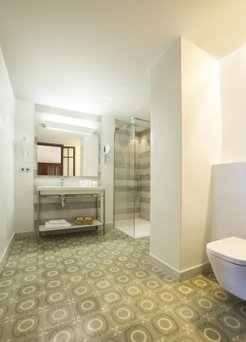 Junior Suite (2 Adults) Hotel Des Puig 14