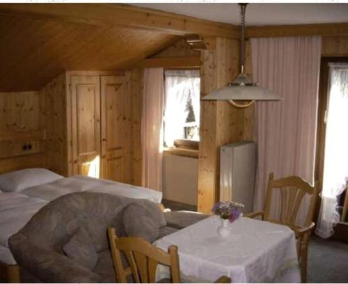Triple Room with Balcony Pension Kuntschner