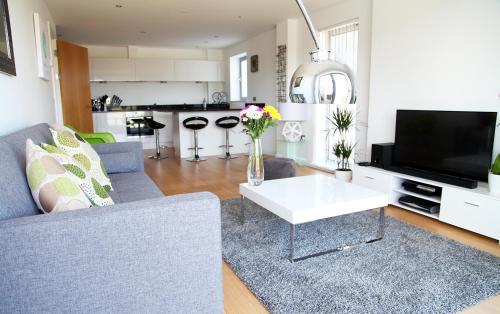 Azure 7 Apartment, Crantock, Cornwall