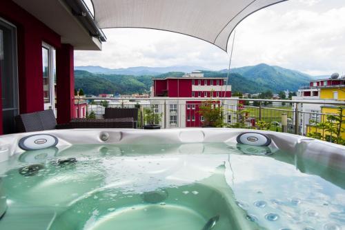 Brasov Penthouse Retreat - Apartment - Brașov