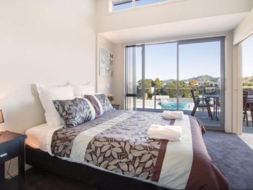 . Beach Pacific Apartments