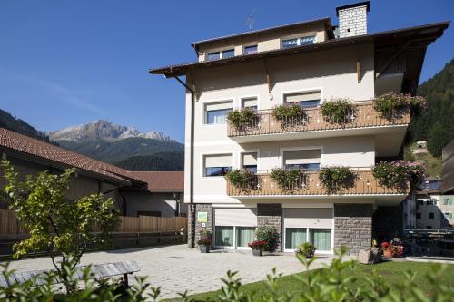 B&B Rose Di Bosco - Accommodation - Predazzo
