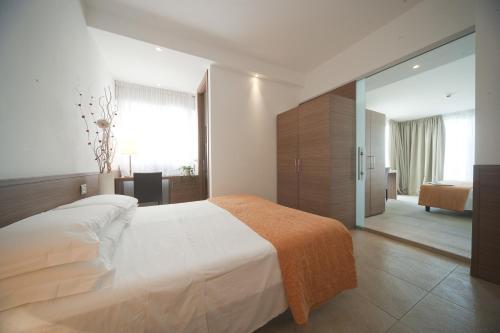 Hotel Adlon фотографии номера
