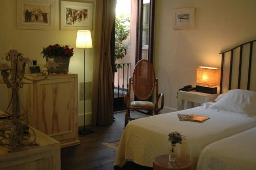 Superior Double Room - single occupancy Mas de Baix 15