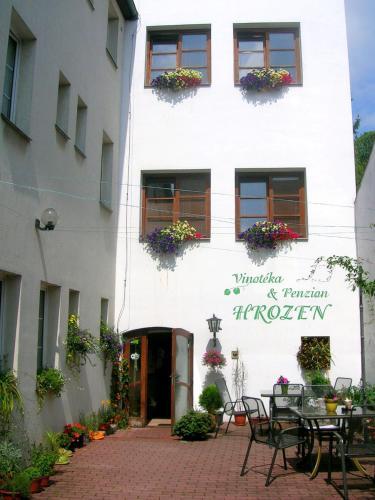 Hotel-overnachting met je hond in Penzion a Vinoteka Hrozen - Kroměříž