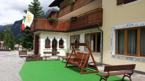 IHR Hotel Villa Emma - Canazei di Fassa