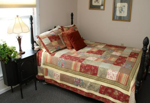 The Brewster Inn - Dexter, ME 04930
