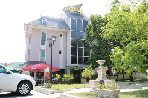 Hotel Strimon Bed and Breakfast - Accommodation - Kresna
