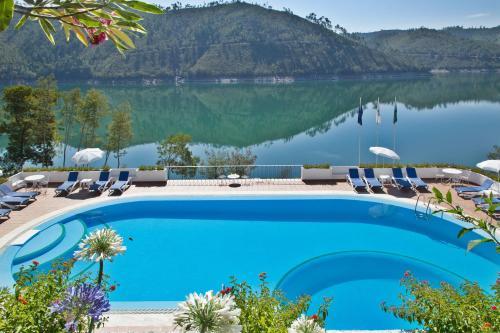 . Estalagem Lago Azul