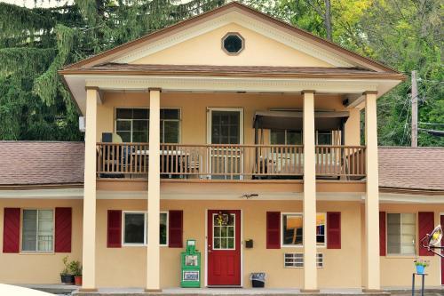 Holiday Motel - Andover, NJ 07821