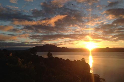 Serenity On Wakeman - Accommodation - Taupo
