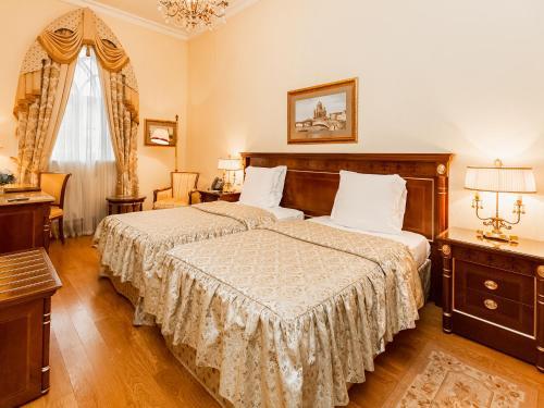 Petroff Palace Boutique Hotel - image 7
