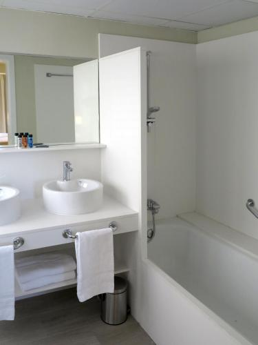 Serennia Exclusive Rooms photo 31