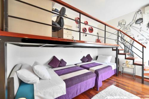 Luxury Seaside Apartment - image 3