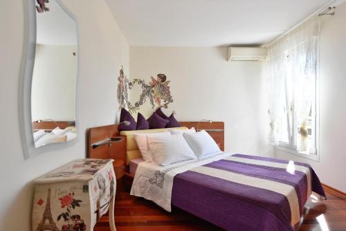 Luxury Seaside Apartment - image 4