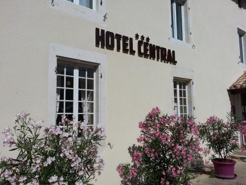 . Hôtel Central
