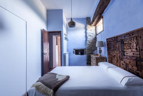 Three-Bedroom Suite Estança La Pau - Adults Only 9