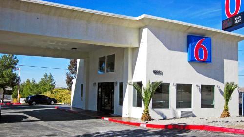 Motel 6 Desert Xpress - Victorville, CA 92394
