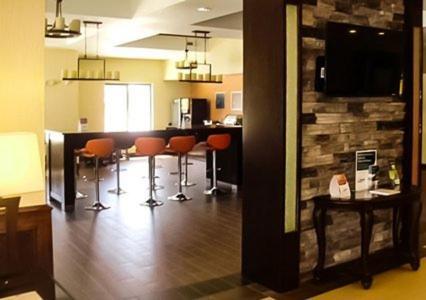 Comfort Inn & Suites Woodward - Woodward, OK 73801