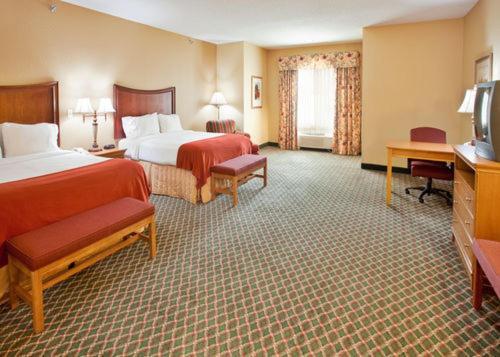 Holiday Inn Express Fremont - Fremont, NE 68025