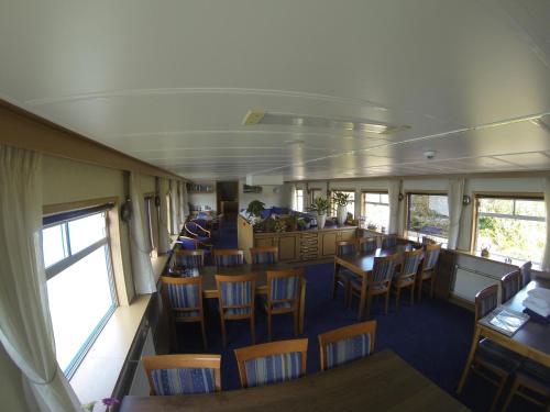 Luxury Hotelboat Zwaantje photo 2