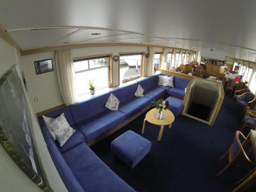 Luxury Hotelboat Zwaantje photo 14