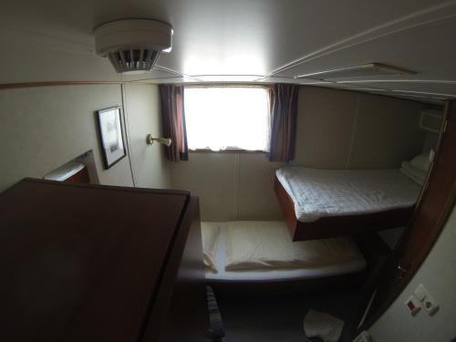 Luxury Hotelboat Zwaantje photo 17