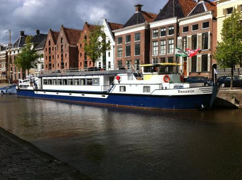 Luxury Hotelboat Zwaantje impression