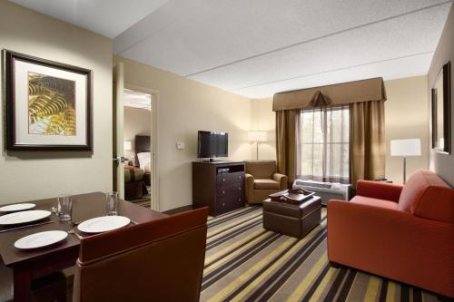 Photo - Homewood Suites by Hilton Rochester/Greece, NY