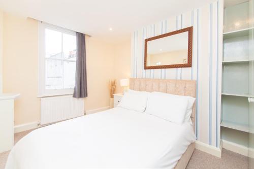 Scala Apartments, Tottenham Court Road (London)