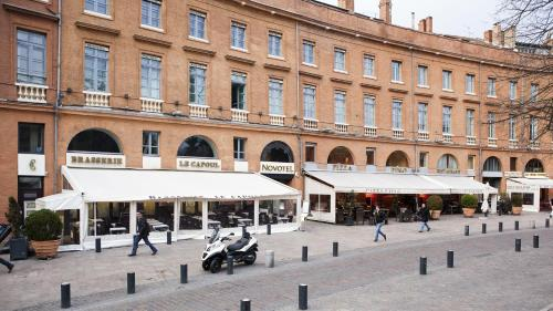 15 Place Wilson, 31000 Toulouse, France.