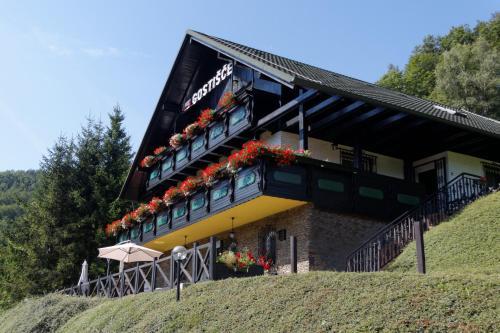 Pod Orehi Guest House