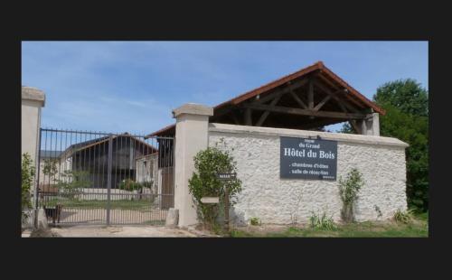 . Ferme du Grand Hotel du Bois