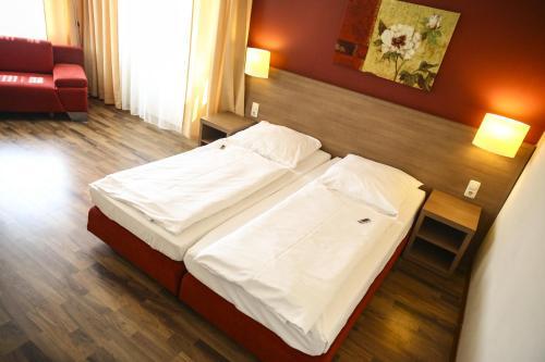 Hotel Marienthal Garni photo 74