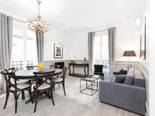 The Residence - Luxury 2 Bedroom Paris Center