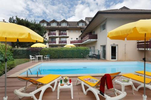 The Originals City, Hôtel L'Arc-En-Ciel, Thonon-les-Bains (Inter-Hotel) - Hôtel - Thonon-les-Bains