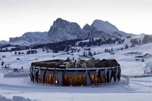 Alpina Dolomites - Hotel - Alpe di Siusi/Seiser Alm