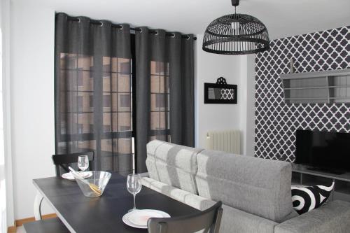 . Apartamentos Vino y Camino