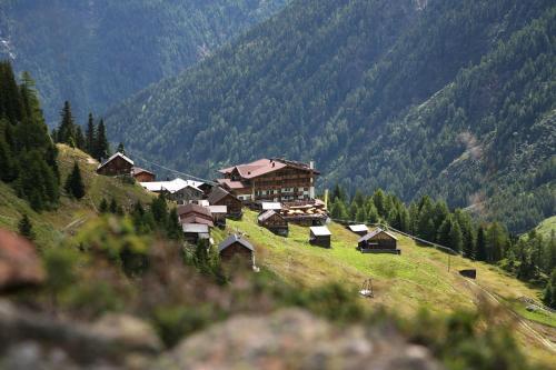 Ferienclub Silbertal - Almhütten Sölden