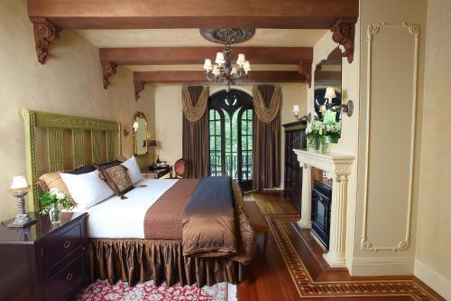 Ledson Hotel & Zina Lounge - Sonoma, CA 95476